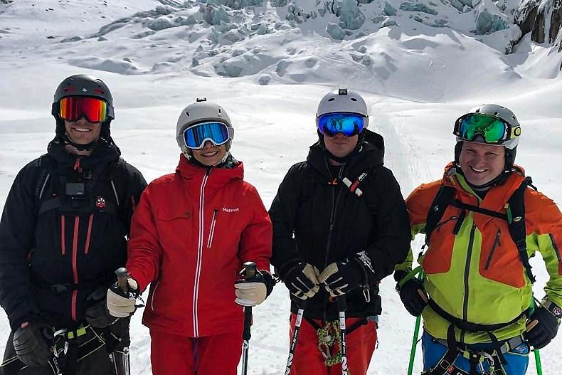 Adult group ski lessons in Méribel and Courchevel
